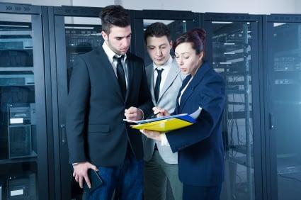 IT-people-in-datacenter.jpg