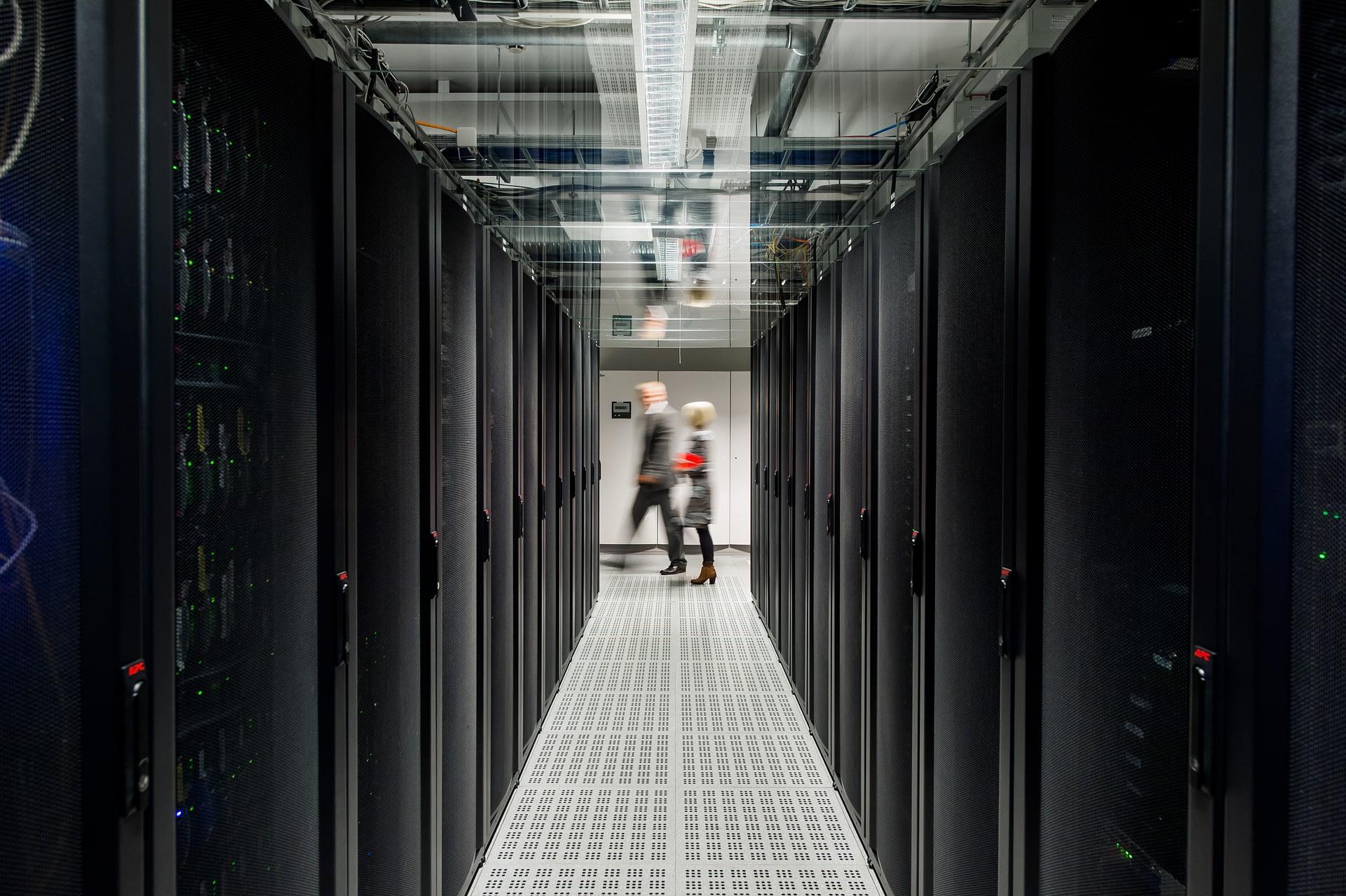 Telecity_datacenter_people.jpg